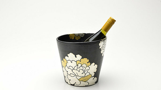 MIKOTO WINE Japanese SAKE cooler ceramic pottery Flower Pattern (Black)